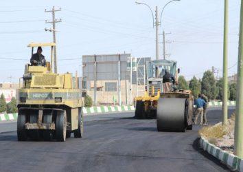 اتمام عملیات درزگیری و اصلاح آسفالت ابتدای باند غربی محور رفسنجان – کرمان