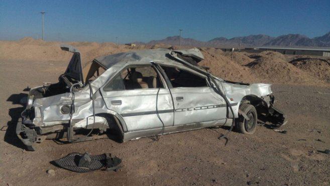 واژگونی خودرو در احمدیه نوق دو مصدوم برجای گذاشت / عکس