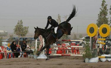 تصاویری زیبا از مسابقات پرش با اسب استان در رفسنجان + اسامی برترینها