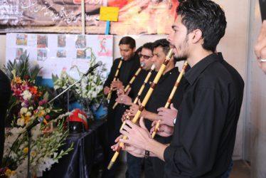 ادای احترام گروه نی نوازان رفسنجان (نیزار) به شهدای آتش نشان حادثه پلاسکو / تصاویر