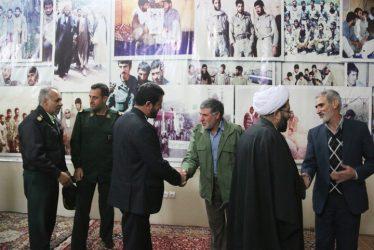 دیدار دو  همرزم پس از ۳۲ سال در رفسنجان/ عکس