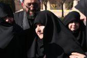 مادر شهید حسن عبداللهی در اولین لحظه ی دیدار فرزندش پس از 31 سال دوری چه کرد / تصاویر