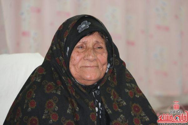 مادر گرانقدر شهید حسینجان میمندی