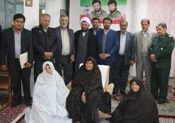 دیدار مسئولین رفسنجان با خانواده شهیدان باقریان و میمندی/تصاویر