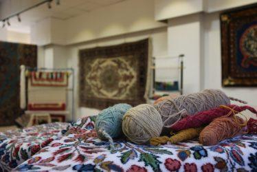 گالری فرش دستباف در رفسنجان برپا شد / عکس