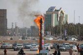 ابلیسک در راهپیمایی 22 بهمن 95 در رفسنجان به آتش کشیده شد/تصاویر