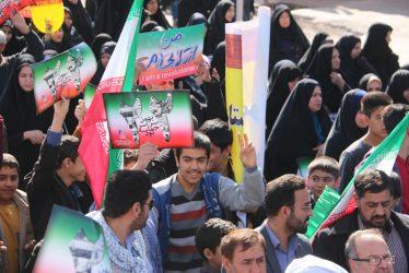 حضور پررنگ نسل چهارم انقلاب در راهپیمایی ۲۲ بهمن امسال در رفسنجان / تصاویر