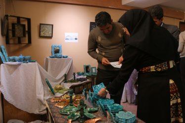 نمایشگاه گروهی توانمندی های بانوان در رفسنجان گشایش یافت / عکس