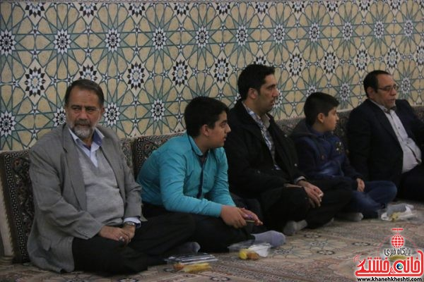حضور خادم الحسینی رئیس شورای شهر رفسنجان در یادواره شهدای منطقه گرگین رفسنجان در مسجد الزهرا (س)