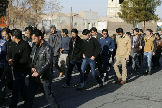 برگزاری همایش پیاده روی کارگران به مناسبت گرامیداشت دهه مبارک فجر / تصاویر