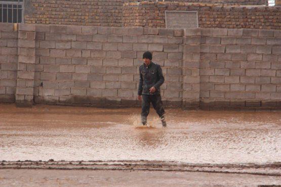جاری شدن سیل در روستای ناصریه رفسنجان + عکس