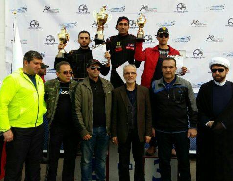 از قهرمانان سال مسابقات اتومبیلرانی اسلالوم رفسنجان تجلیل شد