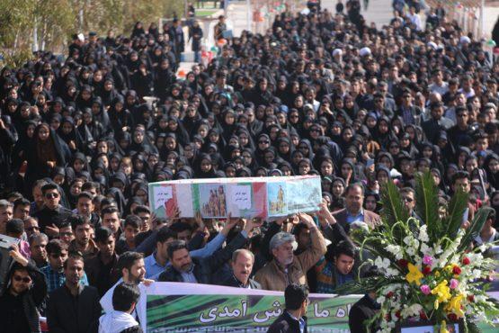 سنگ تمام دانشجویان رفسنجان برای شهید غواص حسن عبداللهی / تصاویر