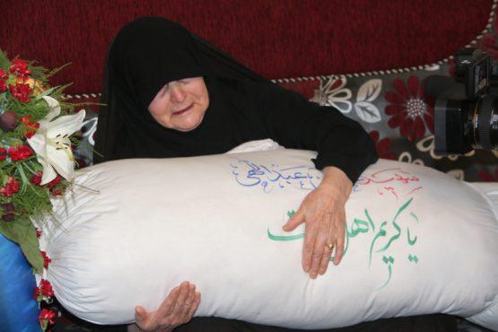 شهید غواص حسن عبداللهی در آغوش مادرش آرام گرفت / تصاویر
