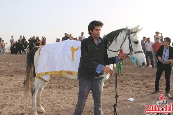 گروه اسب های بالای 8 امتیاز مسافت 1400 متر نام اسب راشد مالک و مربی عبدالحسین مجد سوارکار مرتضی دادا