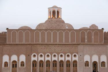 تدفین هویت تاریخی در تدبیر مرمت بزرگترین خانه خشتی جهان در رفسنجان
