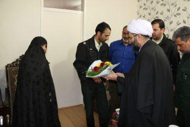 دیدار نوروزی مسئولین رفسنجان با خانواده های معظم شهدا / تصاویر