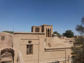 خانه صاحب الزمانی در رفسنجان آماده پذیرایی از میهمانان نوروزی