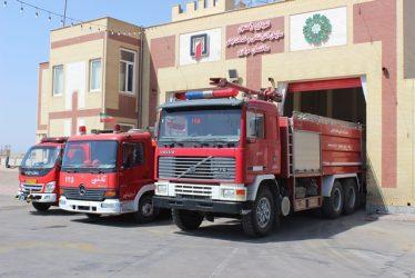 حضور نیروهای آتشنشانی رفسنجان کمتر از ۵ دقیقه در محل حادثه