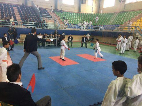 تیم کاراته رفسنجان در جایگاه سوم مسابقات قهرمانى کارگران استان / عکس