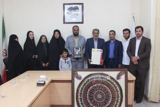 تقدیر جمعی از فرزندان شاهد از شهردار رفسنجان/ عکس