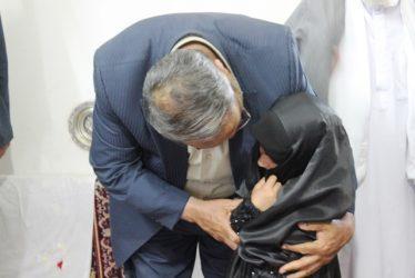 شهردار رفسنجان با خانواده شهید حامد بافنده دیدار کرد