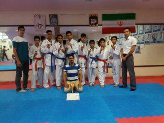 کاراته رفسنجان برفراز سکوهای لیگ استان / عکس