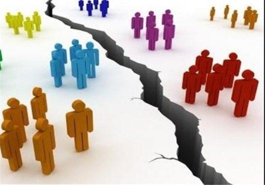 چشمک اختلاف در مراسم تجلیل از دست اندرکاران ستاد روحانی در رفسنجان