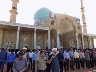تصاویر/اقامه نماز عیدی فطر در حرم امامزاده سید جلال الدین اشرف