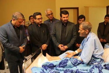 عیادت فرماندار و نماینده رفسنجان از بیماران در شب ۲۱ ماه رمضان / تصاویر