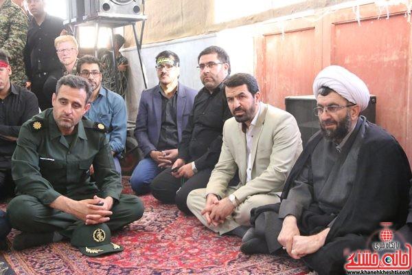 لحظات ناب استقبال و وداع با شهید محمد علی محمد صادقی در مسجد جامع روستای هرمز آباد رفسنجان