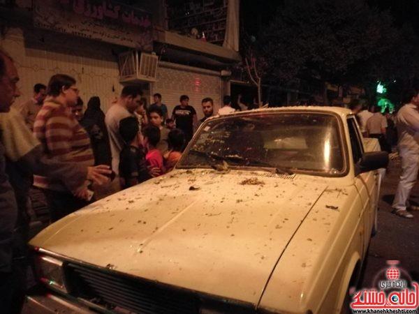 انفجار مهیبیک مغازهدر خیابان کارگر رفسنجان و حضور به موقع عوامل آتش نشانی شهرستان رفسنجان