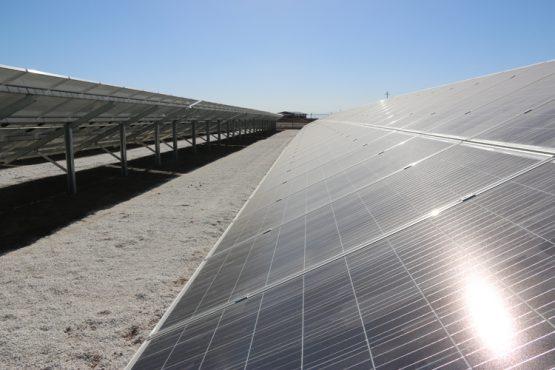 افتتاح نیروگاه خورشیدی با ظرفیت ۱.۲ مگاوات در رفسنجان / عکس