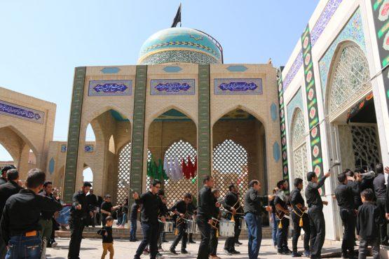 مسجد امام(ره) رفسنجان میزبان هیاتهای عزاداری در تاسوعا / تصاویر