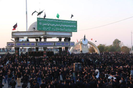 تجمع عزاداران حسینی در سقاخانه ابوالفضل(ع) رفسنجان در روز عاشورا / تصاویر