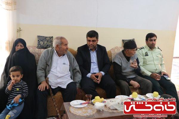 مصطفی بخشی بخشدار جدید مرکزی رفسنجان  حضور در گلزار شهدای لاهیجان و دیدار با خانواده شهید علی بیگی