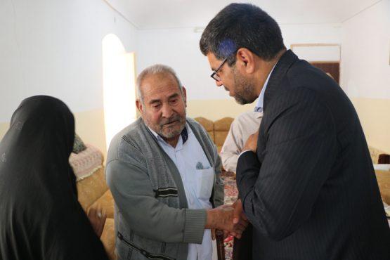 حضور بخشدار جدید رفسنجان در گلزار شهدای روستای لاهیجان / تصاویر