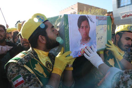 پیکر شهید جواد محمدی در رفسنجان تشییع و تدفین شد/ تصاویر