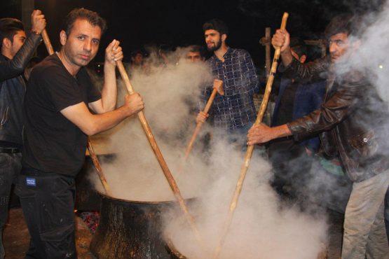 مراسم حلیم پزان در حمیدآباد رفسنجان