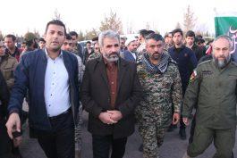 خانواده شهید حججی در رفسنجان مورد استقبال مسئولین و مردم قرار گرفتند / تصاویر