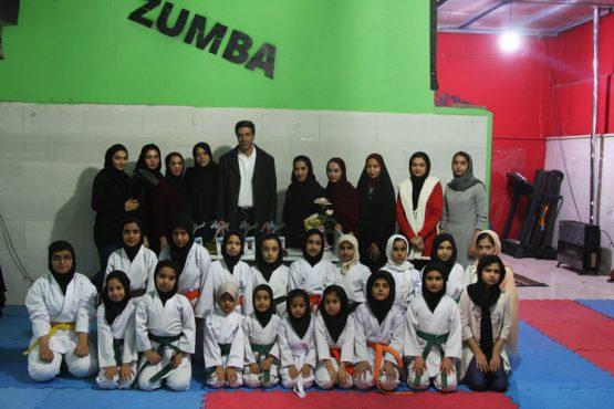 جشن قهرمانی لیگ جوانه های دختران تیم کاراته رفسنجان برگزار شد / عکس
