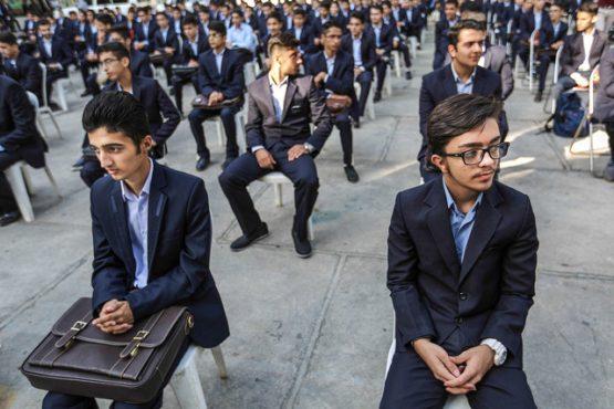 بی تدبیری و بلاتکلیفی دانش آموزان رفسنجانی را به ناچار راهی کرمان کرد