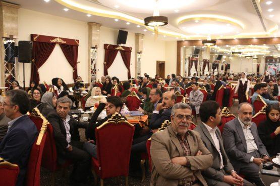 """مراسم اختتامیه اولین جشنواره عکس رفسنجان""""تشنه بر چشمه"""" برگزار شد/ تصاویر"""