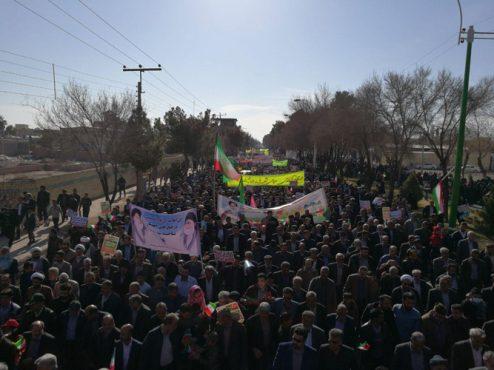 آغاز راهپیمایی باشکوه ۲۲ بهمن در رفسنجان / عکس