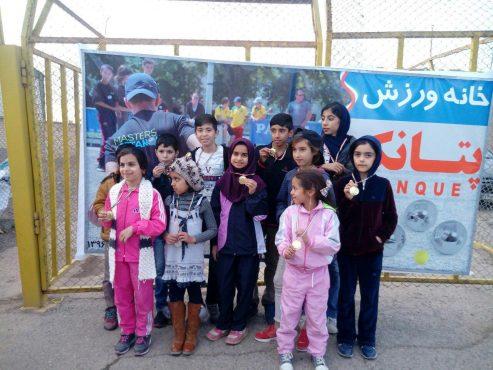 تیم رفسنجان مقام اول مسابقات تیمی سه نفره پتانک استان کرمان را به دست آورد/تصاویر