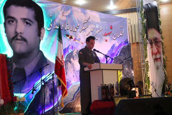 یادواره دانش آموزی اولین شهید هوانیروز کشور در رفسنجان برگزار شد / تصاویر