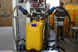 روغن موتور پردیس رفسنجان صادر کننده 11 ساله نمونه در استان