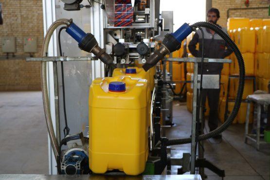 روغن موتور پردیس رفسنجان صادر کننده ۱۱ ساله نمونه در استان