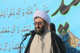 حرکت امام حسین(ع) سیاسی است / نظام جمهوری جز پوست و گوشت و استخوان این ملت اسلامی است