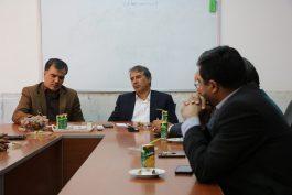 جلسه هم اندیشی نمایندگان کارگران در رفسنجان با نماینده مجلس / تصاویر